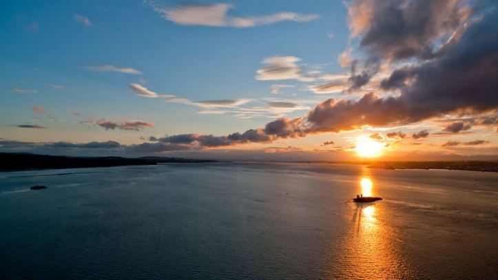 Sunset from Forth Road Bridge ⓒ James Trickey
