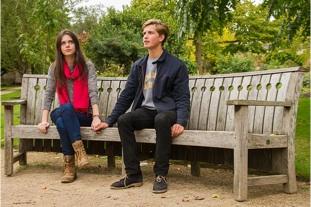 Lyra Belacqua (Alexandra Sage) and Will Parry (Thomas Lambert)