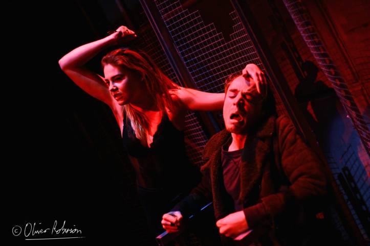Regan (Isobel Jesper Jones) and Gloucester (Owen Mears) © Oliver Robinson