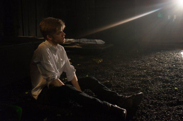 Iuean Perkins as 'Hamlet' © Daniel Cunliffe