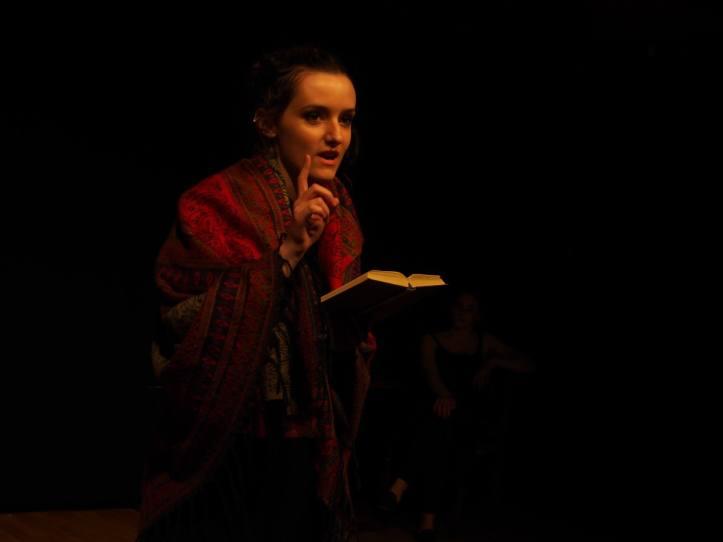 Lydie Sheehan as Elizabeth Farley © Daniel Kim