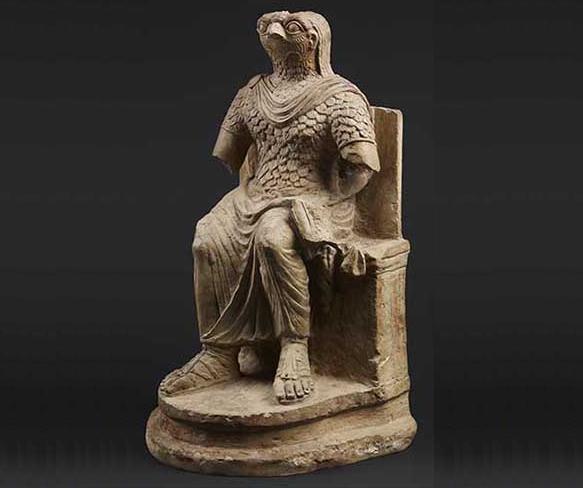 Horus in Roman military costume.png